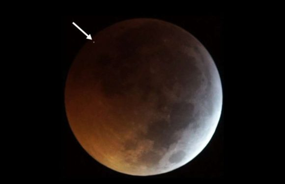 A Meteor Hit the Super Blood Wolf Moon During the Lunar Eclipse on 21st January